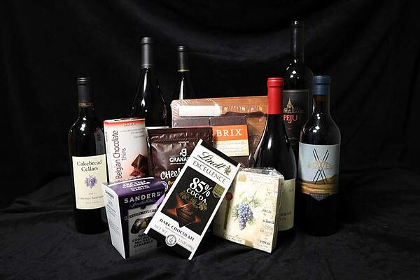 it's time to wine down raffle